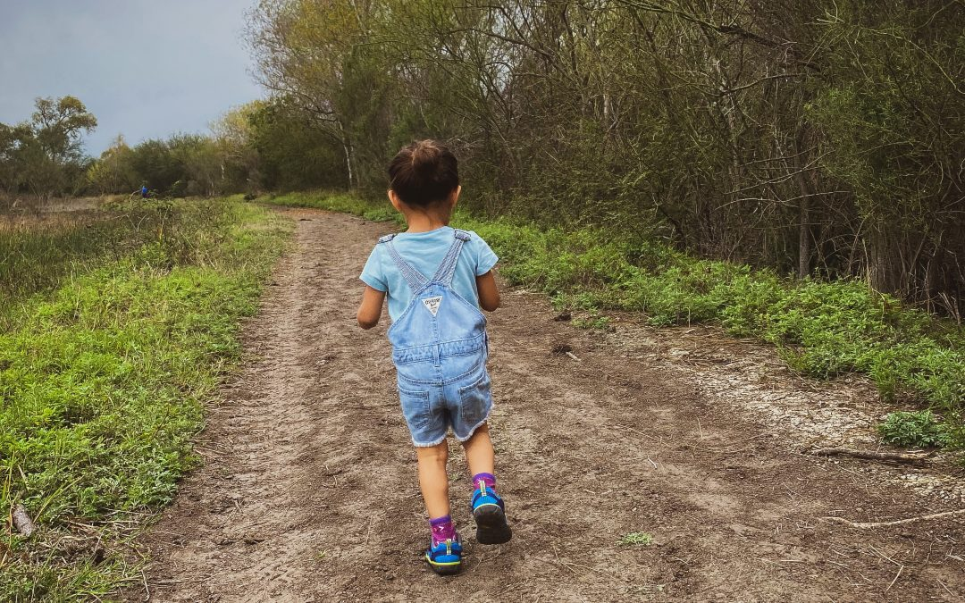 8 Safety Rules When Hiking With Kids